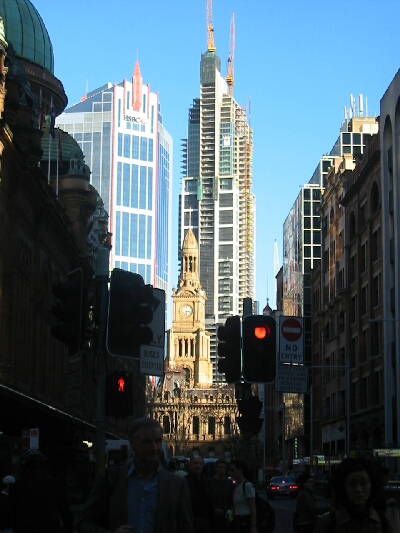 Sydney Town Hall from York St